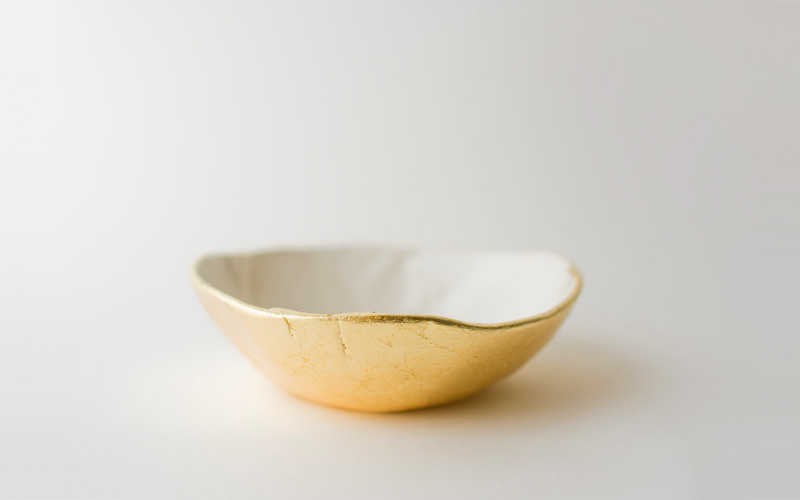 Photo of gold bottom dish